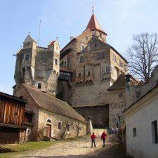 Nejzáhadnější místa ČR: Děsivá ruina, Šibeniční vrch i poklady moravských hradů