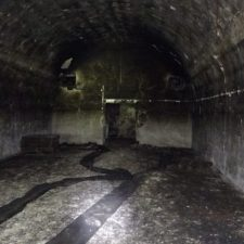 Výprava do tajemného podzemí. Zapomenutá nacistická továrna vzbuzuje tíseň i soucit