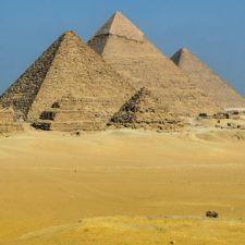 Nejpodivnější teorie o pyramidách. Víte, které to jsou?
