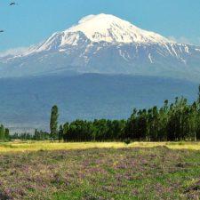 Spočinula Noemova archa na Araratu? Kdo tají zásadní důkazy?