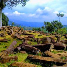 Nečekané překvapení – pyramida v Indonésii skrývá prastarý chrám