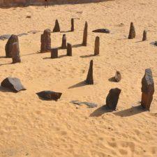 """""""Stonehenge"""" na Sahaře. Kdy rozluštíme jeho tajemství?"""