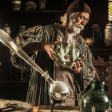 John Dee a tajemství jeho alchymie. Pracoval snad sradioaktivitou?